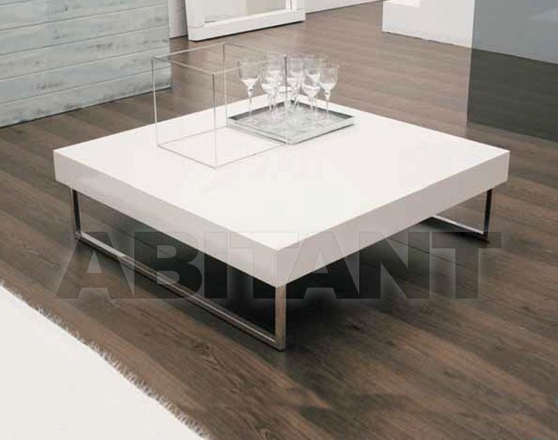 Купить Столик журнальный Tavolini Mito 1964 Spark Line TAV.cm 100x100 LACCATO
