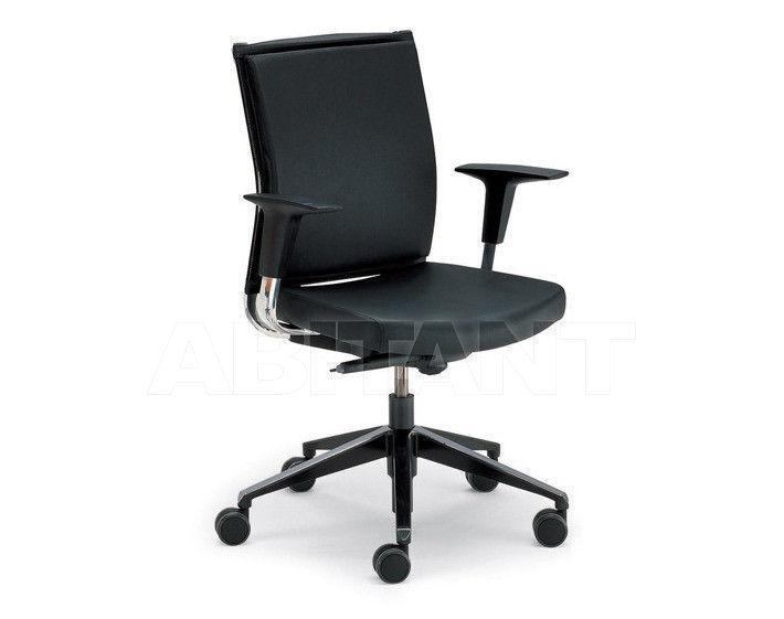 Купить Кресло для руководителя Tecnoarredo srl Poltrone Direzionali TSP245