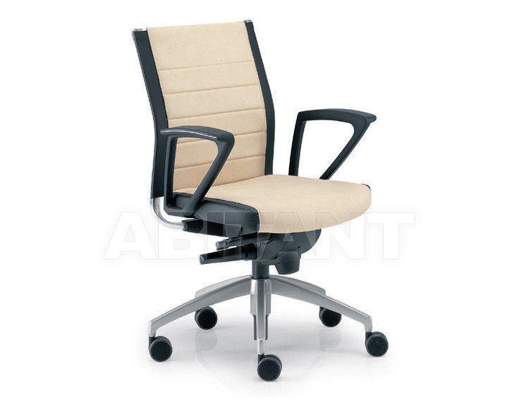 Купить Кресло Tecnoarredo srl Poltrone Direzionali TST605