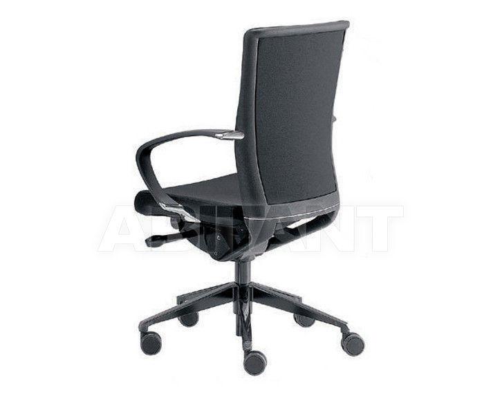 Купить Кресло Tecnoarredo srl Poltrone Direzionali TKE163