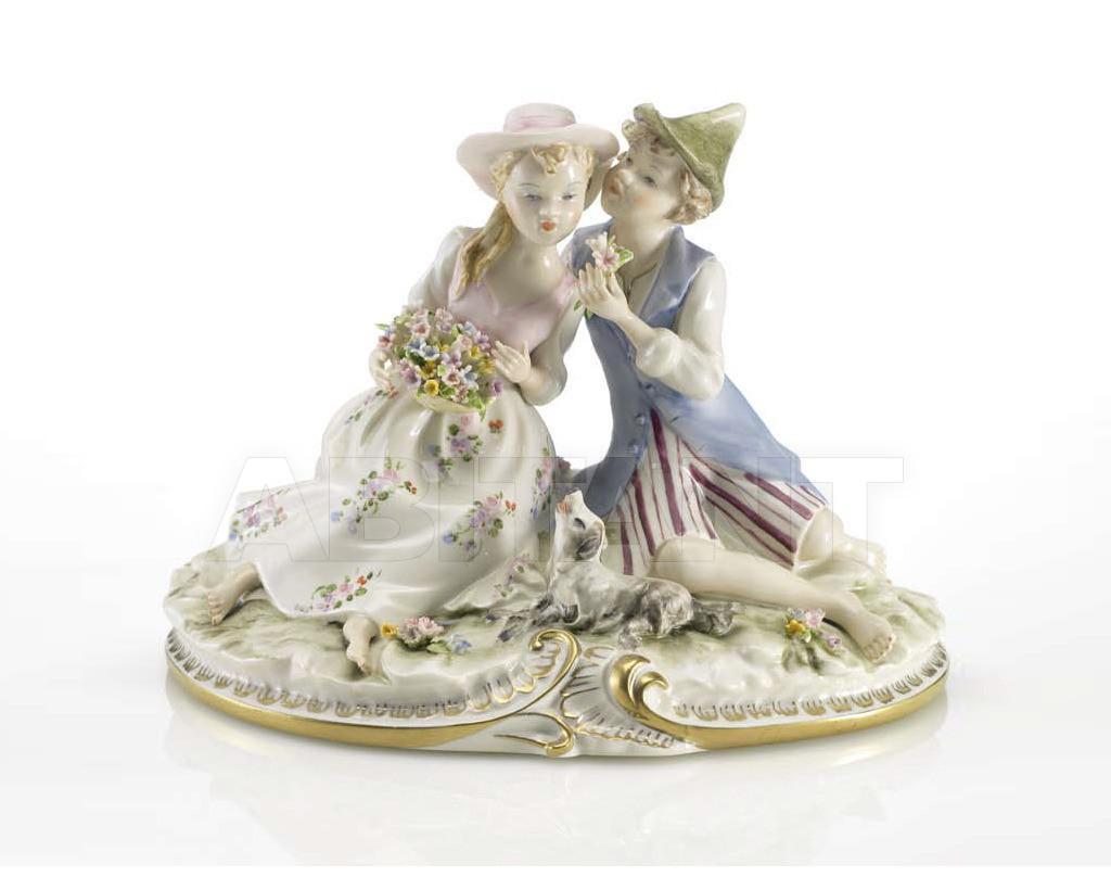 Купить Статуэтка ROMANCE Villari Capodimonte T.00544-002