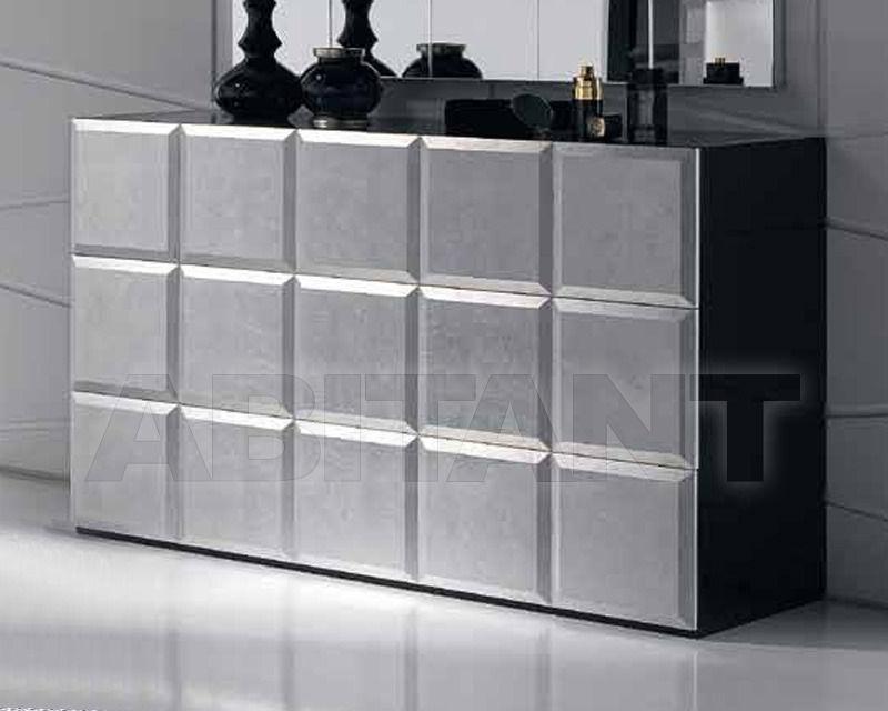 Купить Комод Cubilles Logica  Dormitorios Exclusivos NATASSIA CÓMODA 125  CAJA LACADO/FRENTES PLATA-ORO