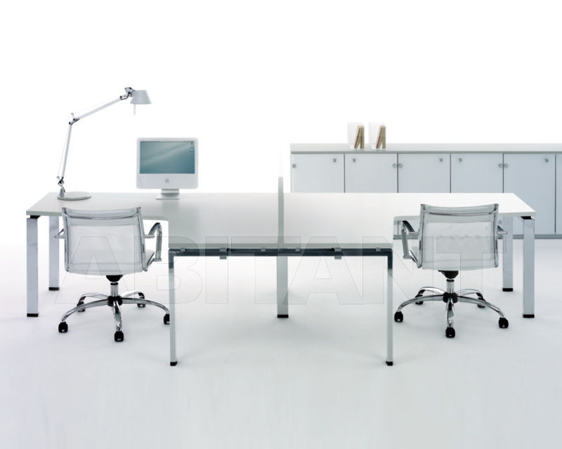 Купить Стол для персонала CLICK OPERATIVE Manerba spa 2018 R354 + 2 x F132